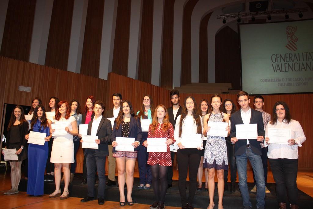 Photo of Entrega en la Conselleria de Educación del premio al rendimiento académico para nuestra alumna Elena García González